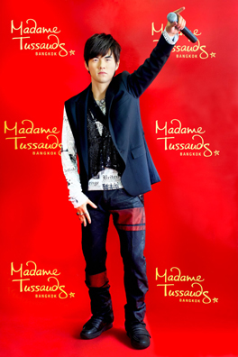 Jay_Chou_Wax_Figure_at_Madame_Tussauds_Bangkok_264px