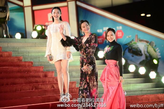 Wang rongjiang fifteen foreign women, gaping holes pussy